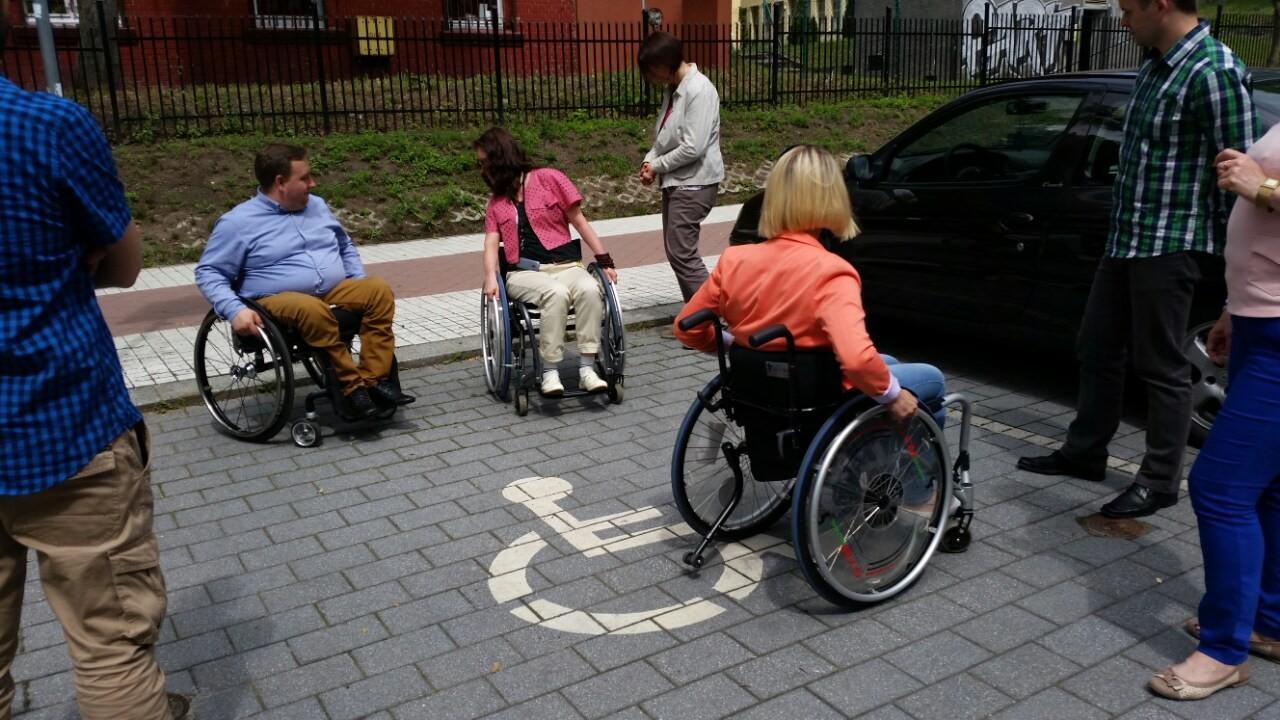 szkolenia osoby poruszające się na wózkach